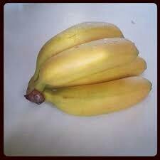 Main Mini bananes