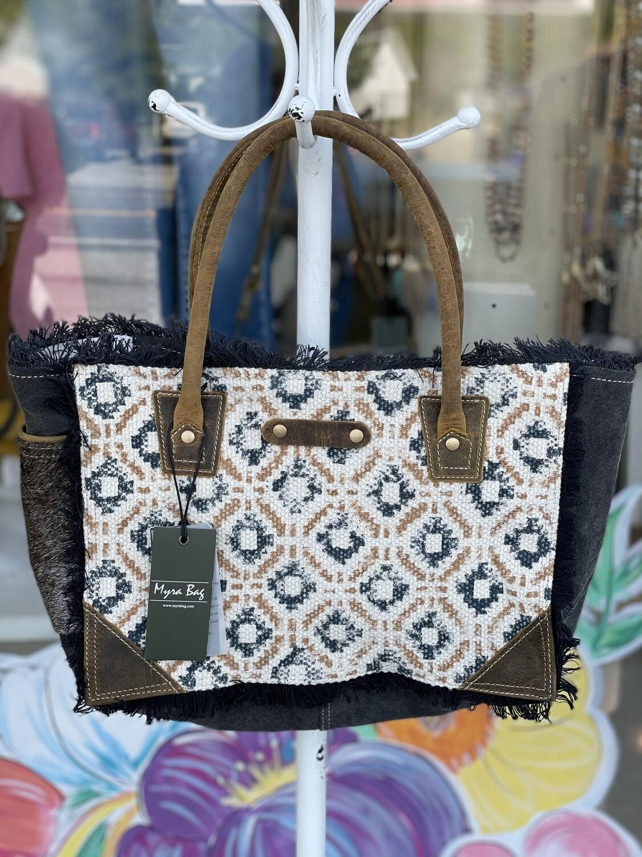 Offbeat Small & Crossbody Bag