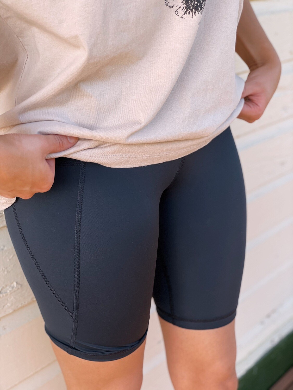 Biker Shorts w Pockets