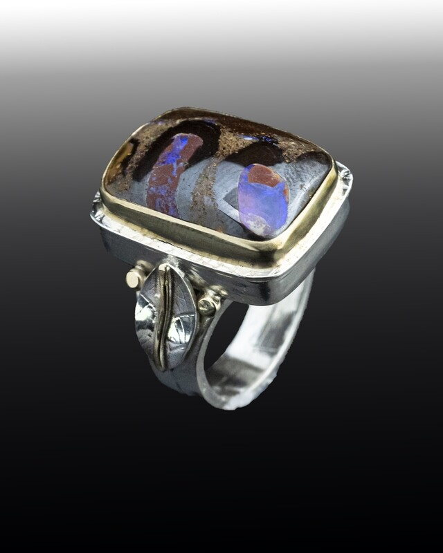 Opal ring with leaves