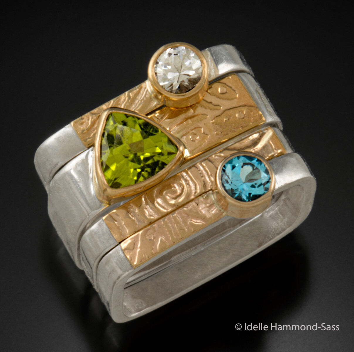 Square Rings with Peridot