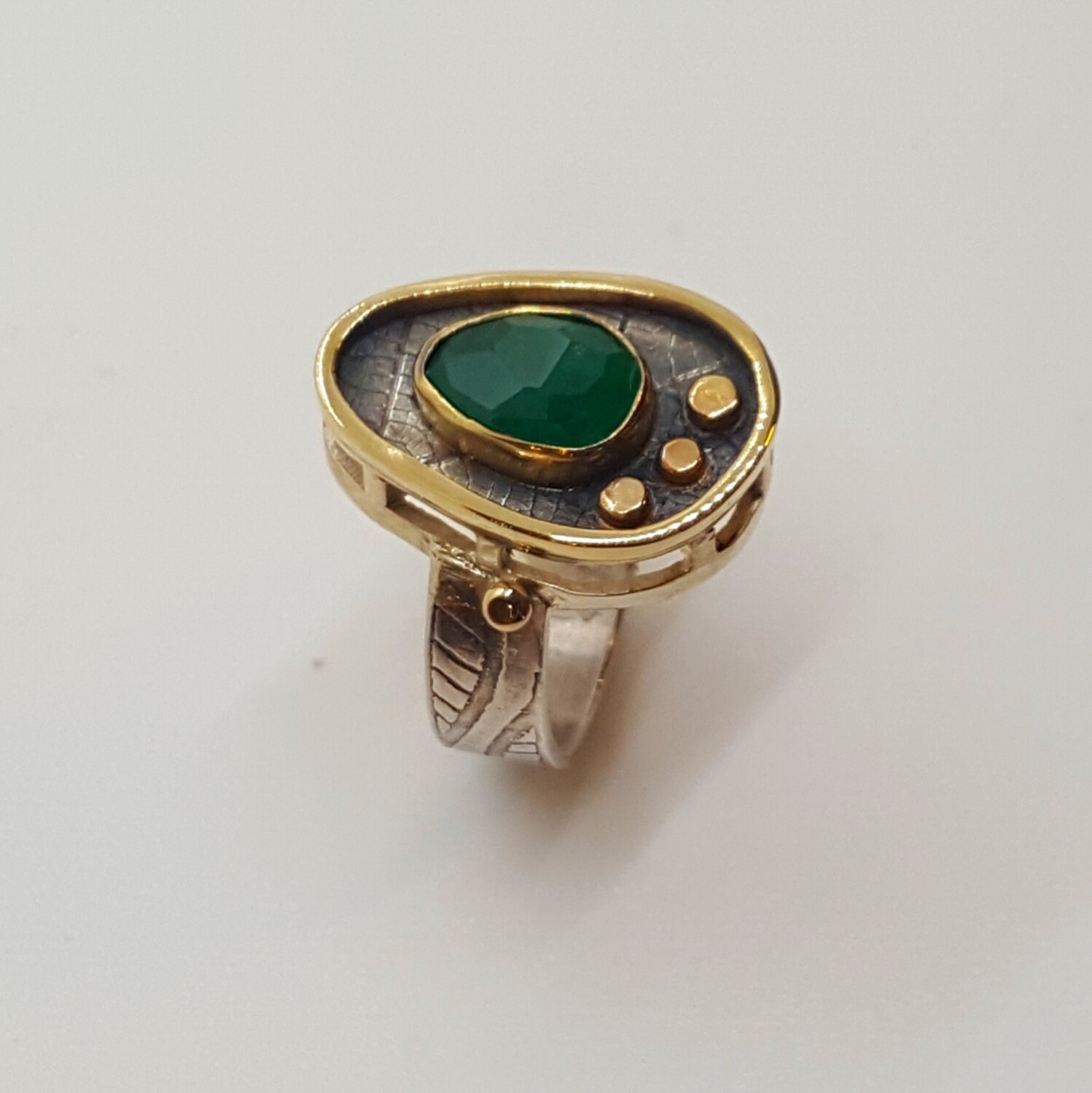 Ring with rose cut emerald