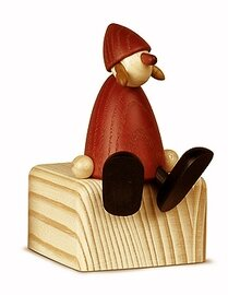 Bjoern Koehler Kunsthandwerk - Mrs. Santa - Sitting on edge