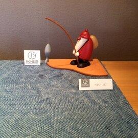 Bjoern Koehler Kunsthandwerk - Santa, small with fishing rod