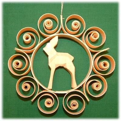Johanness Heidrich - Tree Ornament with deer listening