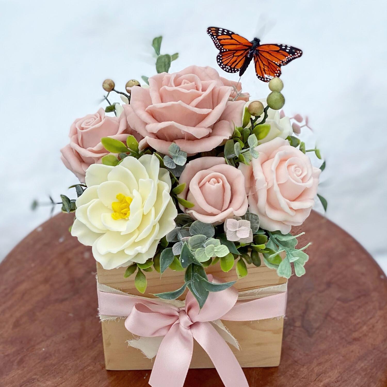 Blushed Roses & Gardenia