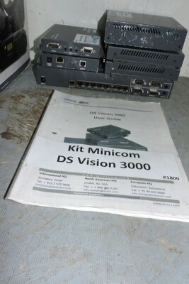 MINICOM DS Vision 3000 Kit de 1 Émetteur Broadcaster et 4 Récepteurs et adapateur USB-A pour Ordi (usagé)