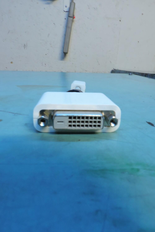 Adaptateur Mini-DVI a DVI (usagé)