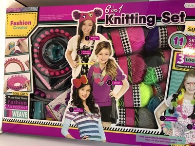 Giant Knitting Set