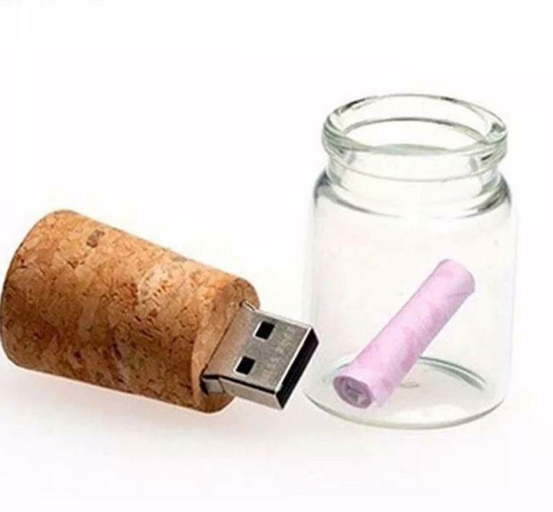 Marcebilina USB dárková lahvička 32 GB