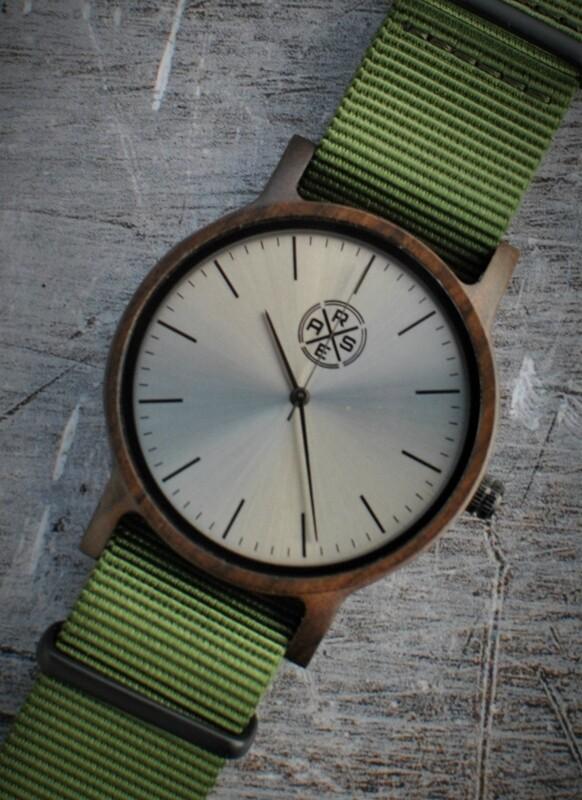 Mundial Dark Green (Zwart Sandelhout)