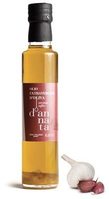 Olio extravergine di oliva  aromatizzato all'aglio cl 25. 100% Italiano