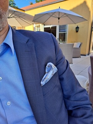 SOLD OUT !  Light blue Pocket square silk twill