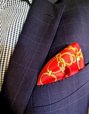 Pocket square gold and red