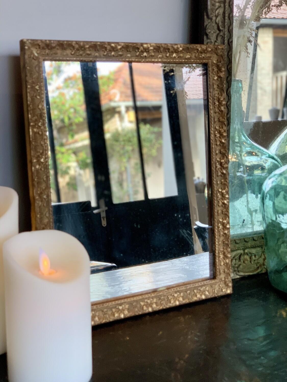 Joli Miroir Ancien en Bois Doré