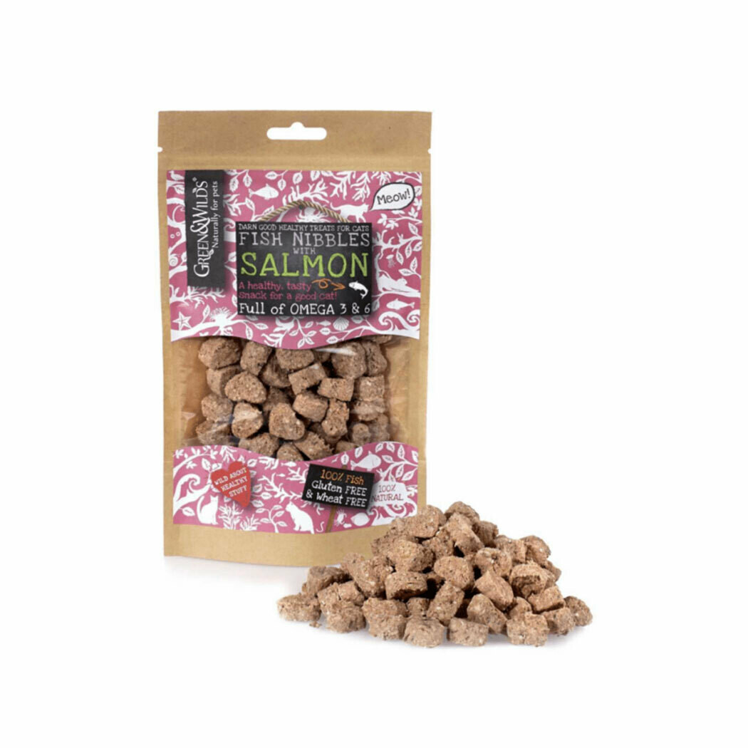 Green & Wilds fish nibbles with salmon treats 100% natural 85grs