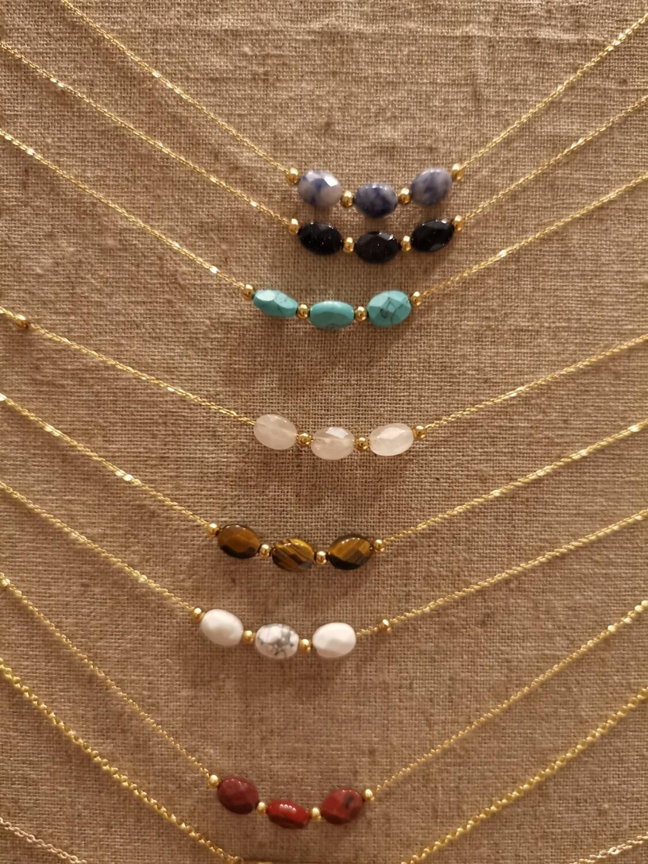Collier doré perles granit labrador bleu