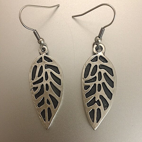 OTE-3118 - Silver plated earrings