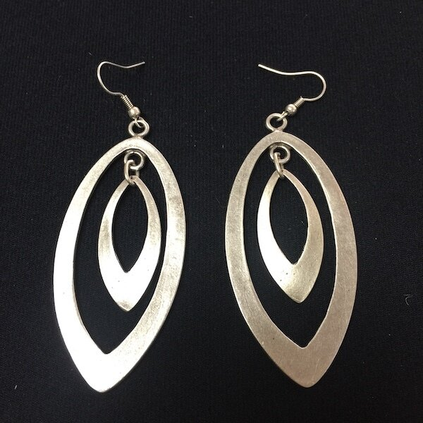 OTE-3098 - Silver plated earrings