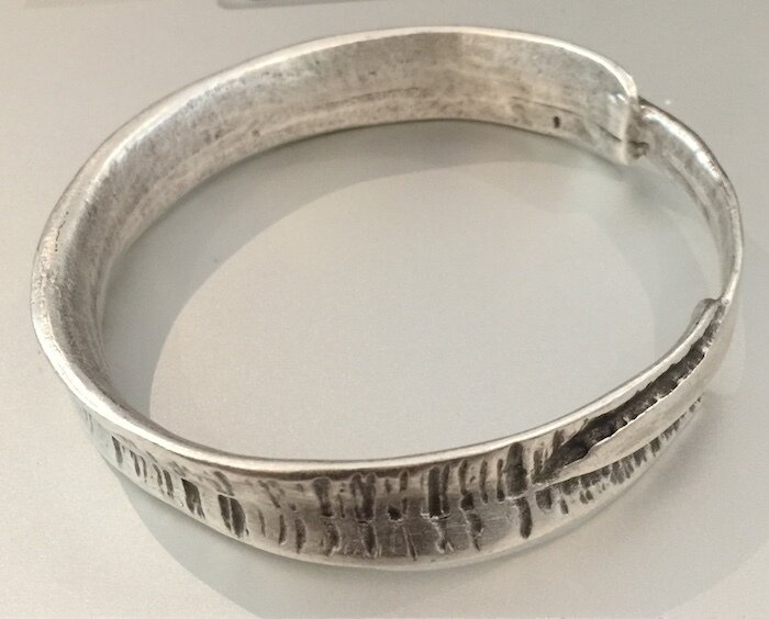 OTB-3245 Silver plated bangle
