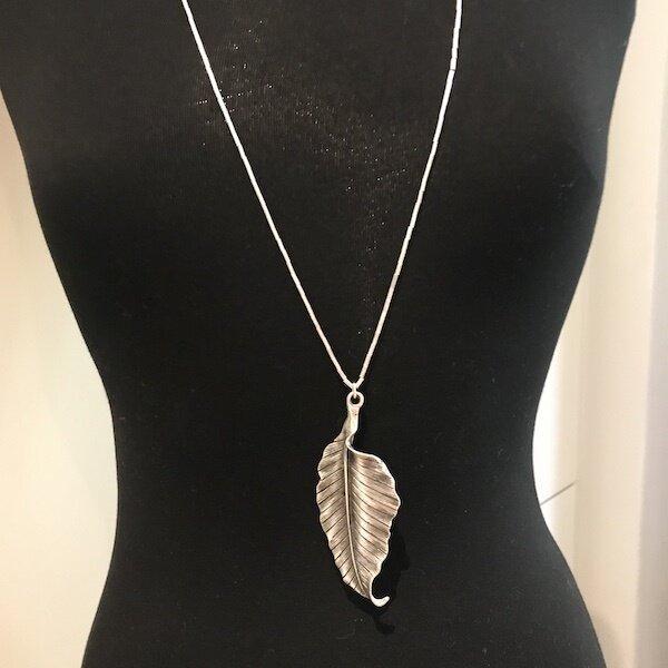BPN-04 pendant necklace