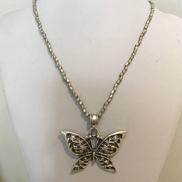 OTP-1900 c Silver plated pendant necklace