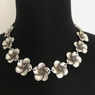 OTN-11 Flower necklace