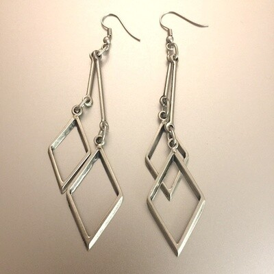 OTE-3117 - Silver plated earrings