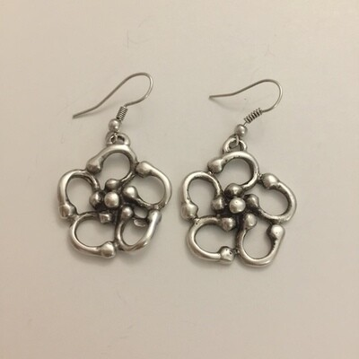 OTE-4588 - Silver Plated Earring