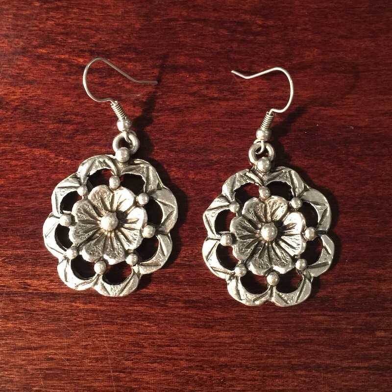OTE-111 Silver plated earrings