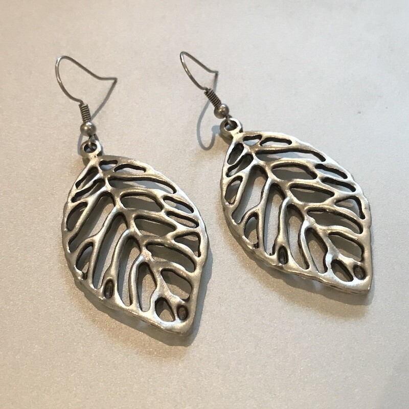 OTE-116 Silver plated earrings