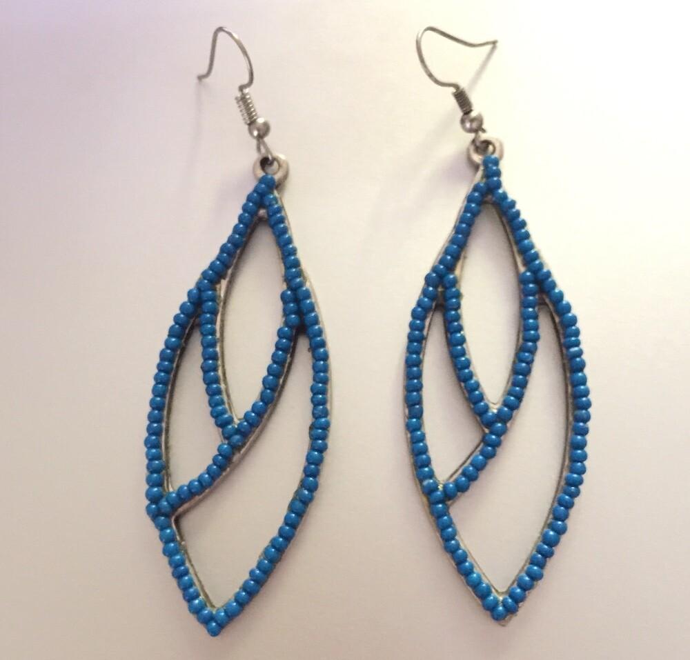 LHE-50 Silver plated stone earrings