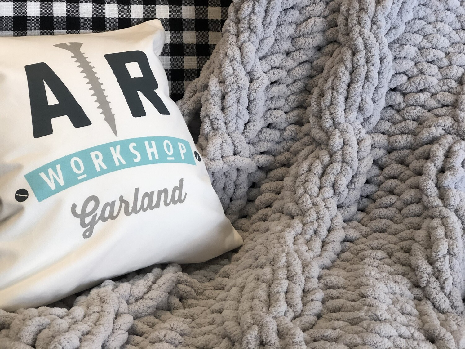 Cable Chunky Knit Blanket