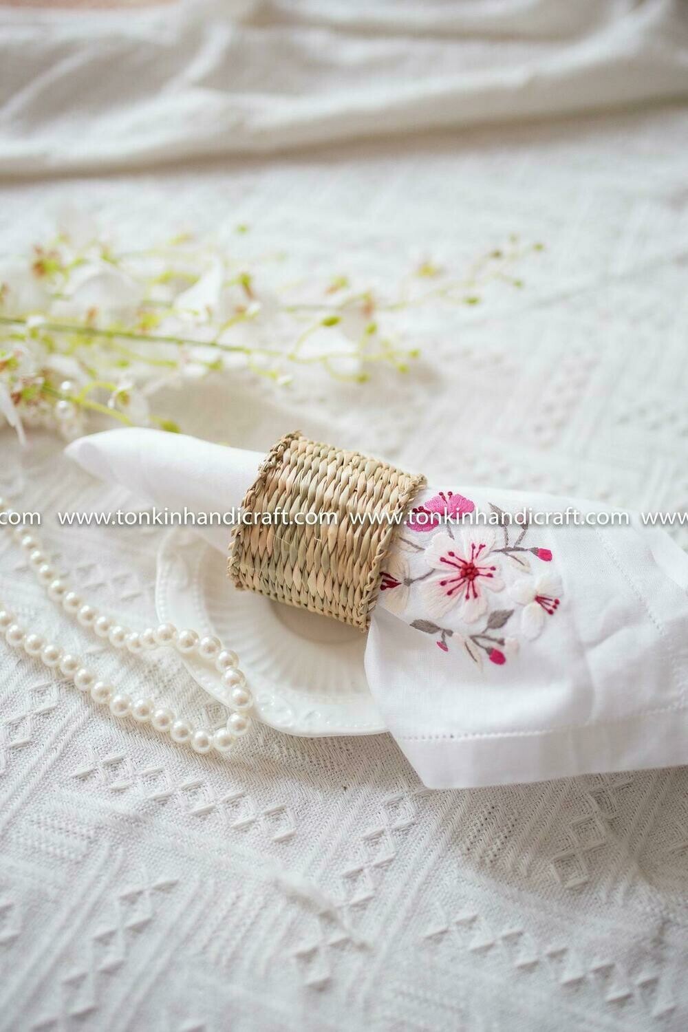 Set of 4 Pcs Braided Handwoven Natural Seagrass Round Napkin Ring