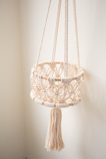 Hanging fruit 1 tier basket