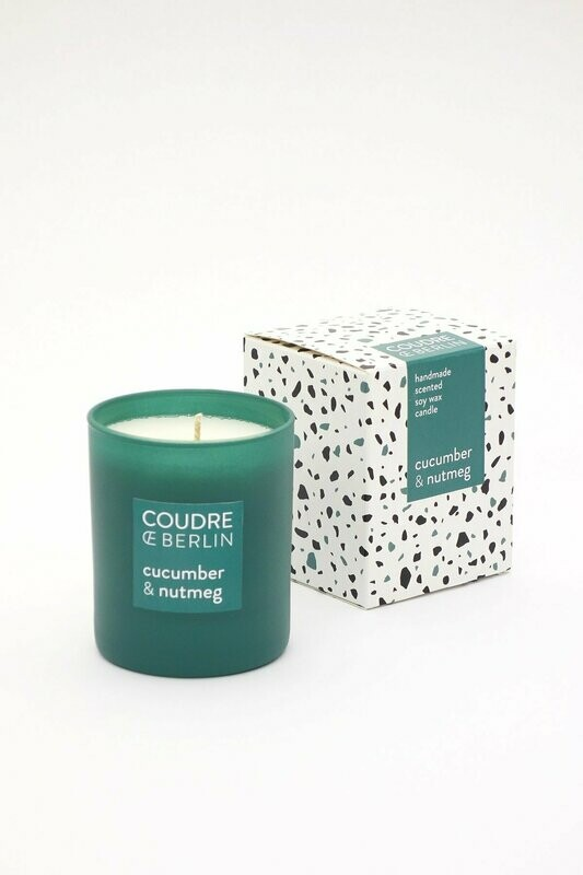 Scented candle cucumber-nutmeg