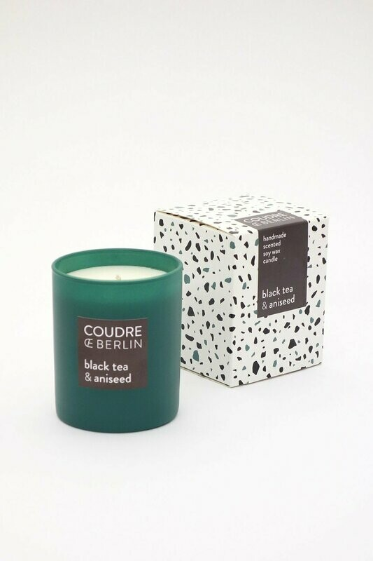Scented candle black tea-anised