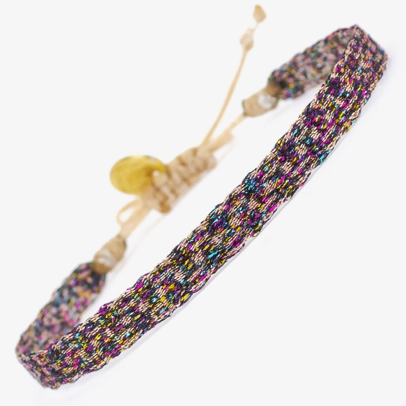 bracelet tweet