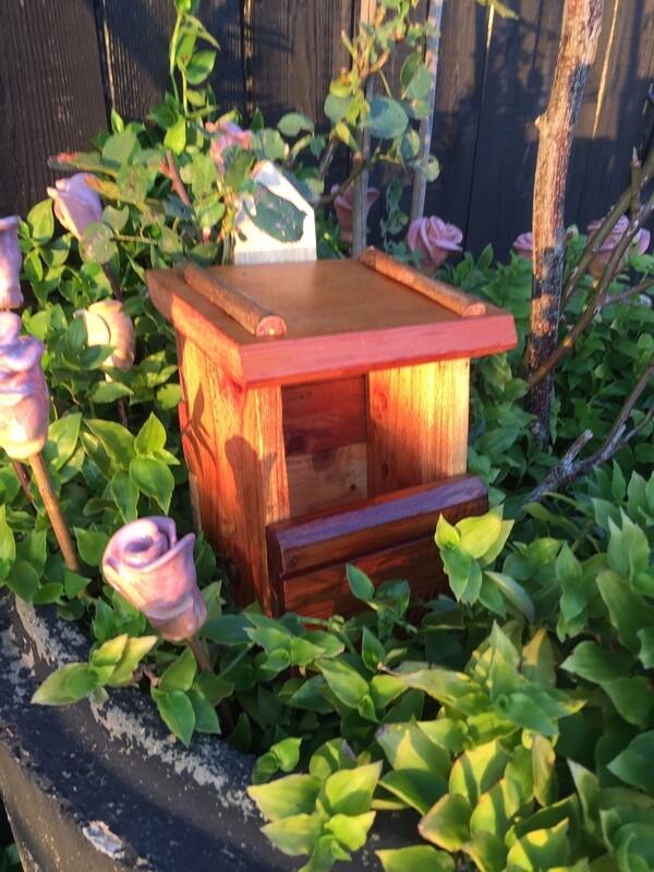 Hedgerow Bird Box