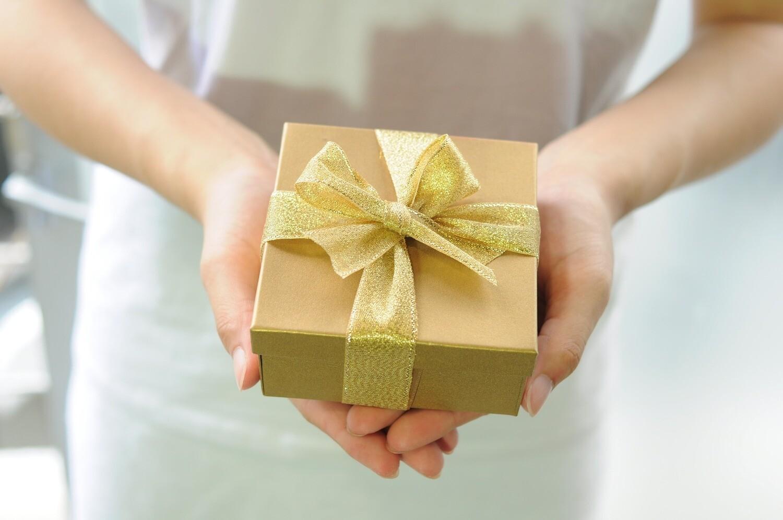 Une carte cadeau pour lui laisser le choix!