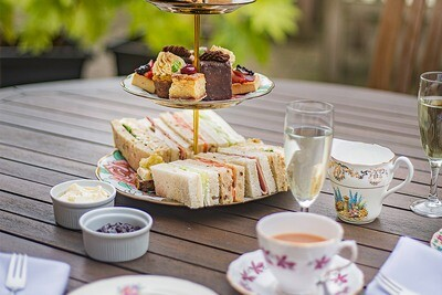 Saturday Afternoon Tea for 2 including Prosecco