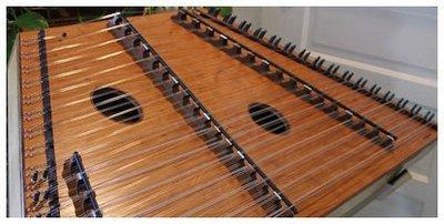 Songbird Warbler 17/16/8 DLX Hammered Dulcimer