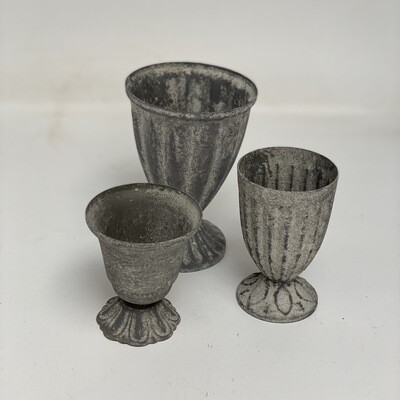 Set of Footed Vessels