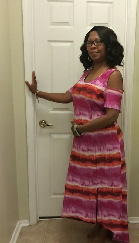 Open shoulders dress