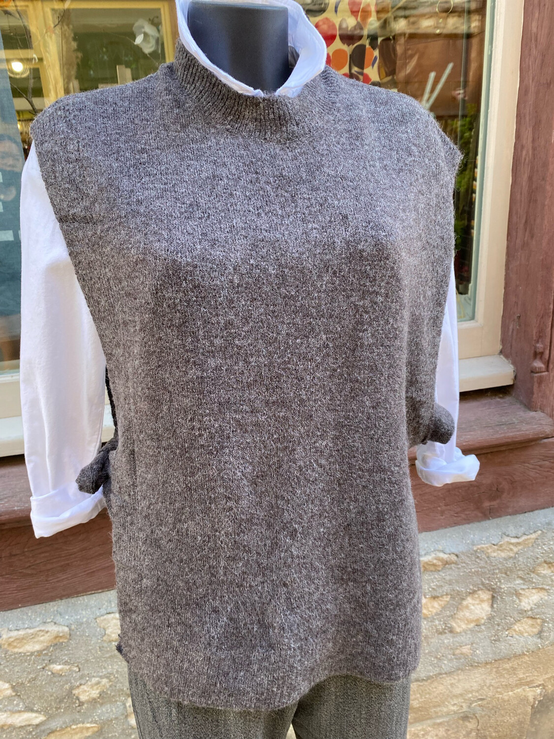 Pull sans manche gris BYOUNG