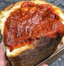 kit per marennà a casa contine 500 grammi di pane a lievito madre cotto a legna è un  sugo a scelta : scoprilo nella descrizione