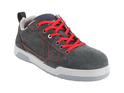 Chaussures basses cuir croute velours. S3 SRC