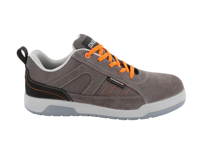 Chaussures basses cuir croute velours. S1P SRC