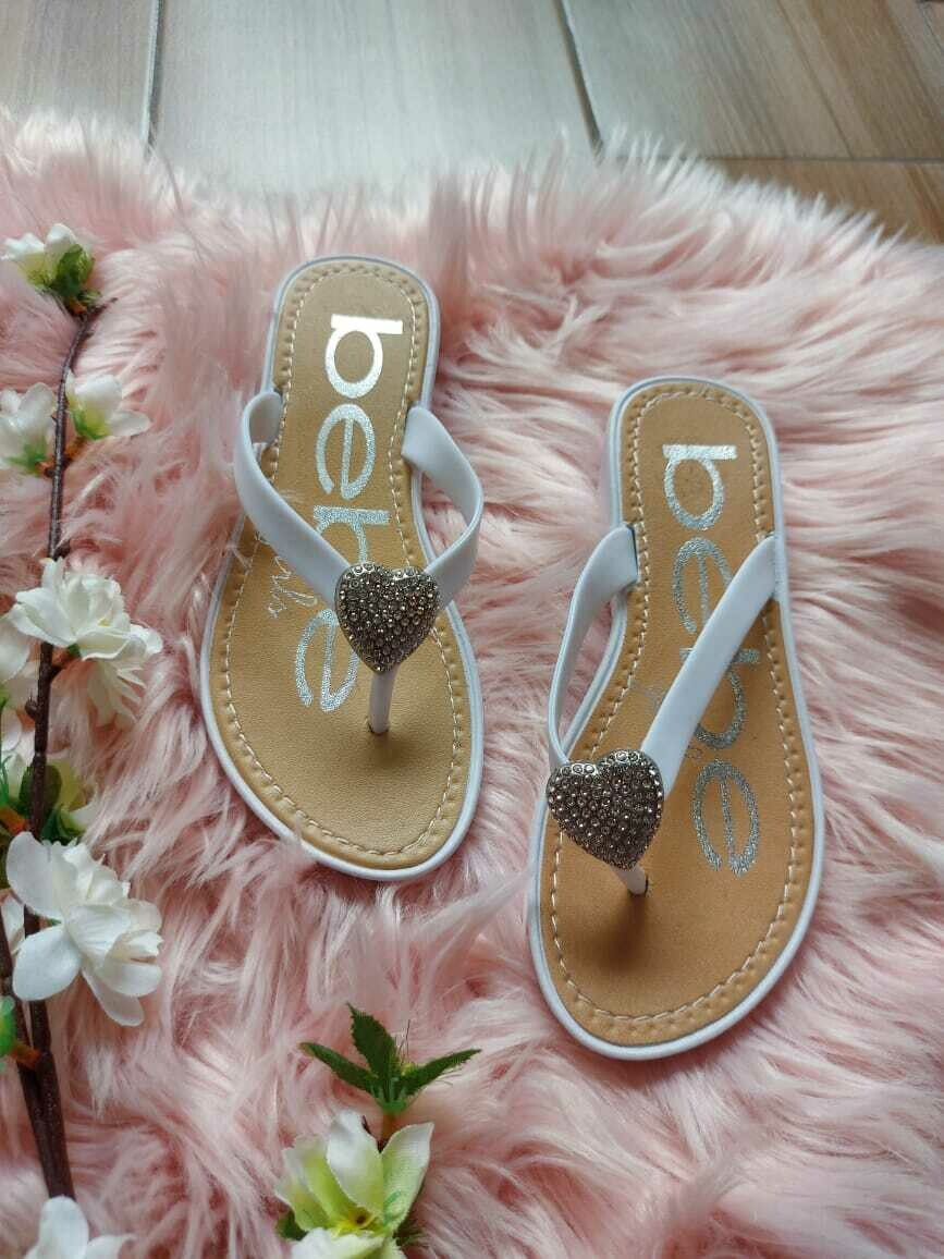 Sandalias blancas , talla 13.5 (31)