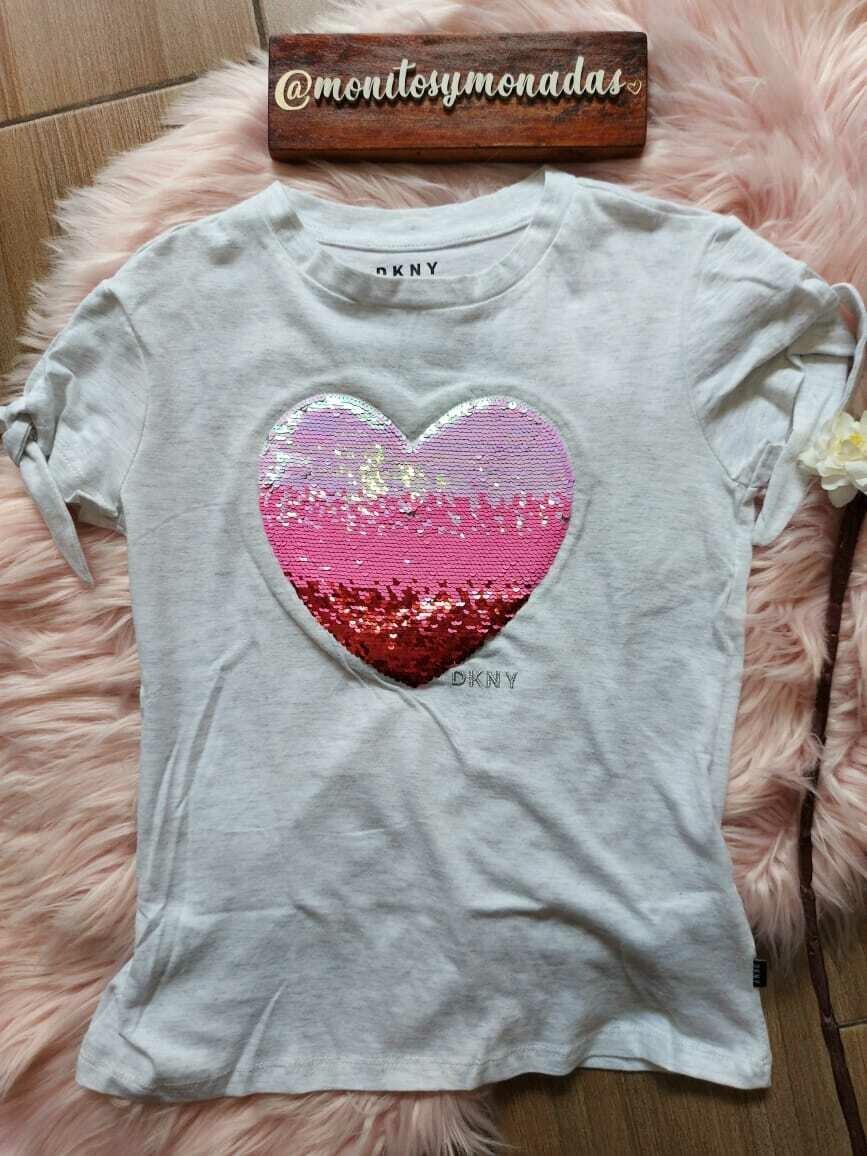 Blusa gris con detalle de corazón de lentejuelas reversibles, DKNY, 7 años